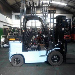 Autoelevador UTILEV 2.5 Ton