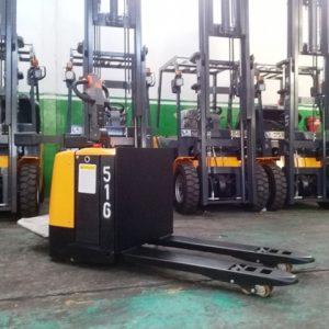 Zorra Electrica Forcia (Hombre parado – plataforma ) 2.5 Ton
